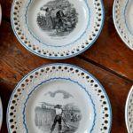 Assiettes parlantes porcelaine opaque Creil et Montereau - esprit brocante hermin