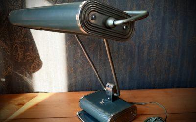 Lampe Jumo N°71 par Eileen Gray 1945