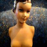 Mannequin de vitrine en plâtre SIEGEL - esprit brocante hermin